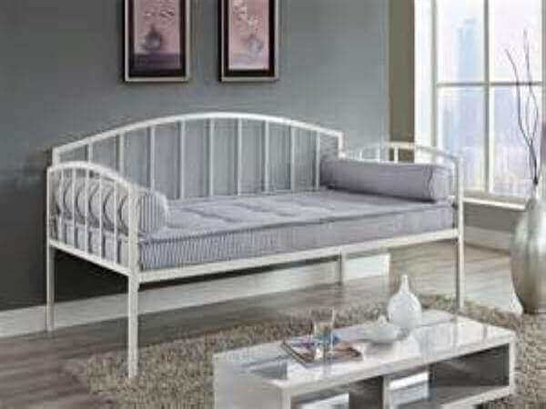 NICKY DAYBED image